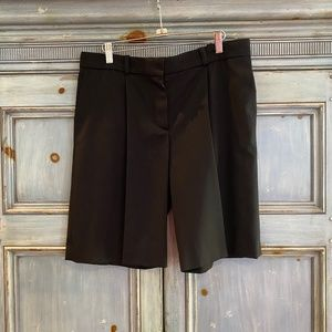 Chloe black wool/silk dress shorts size 42 France